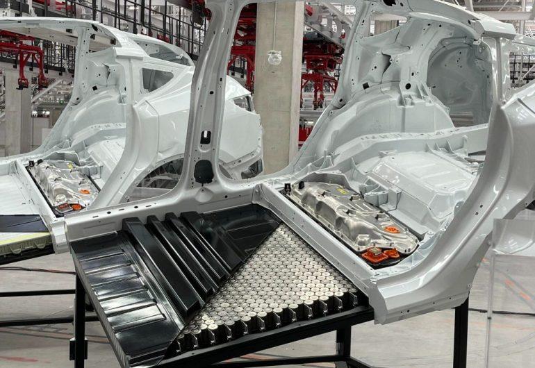 Tesla представляет Model Y со структурным пакетом 4680 и новыми цветами на Giga Berlin Fest