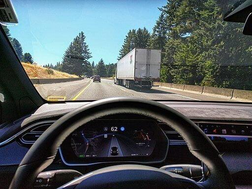 Tesla Model X autopilot