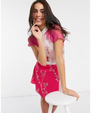 Liquorish a line lace detail mini dress in floral print-Pink