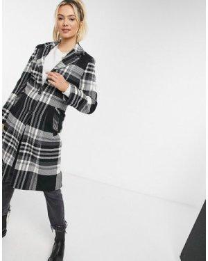 Liquorish straight coat in black & white check