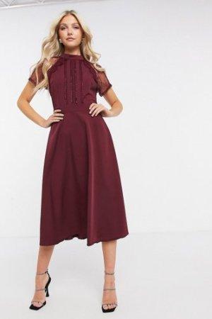 Liquorish a line lace detail midi dress in burgundy-Red