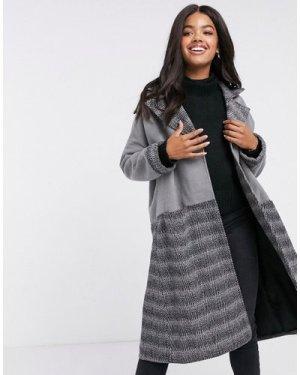 Liquorish oversized straigh coat in black and contrast check