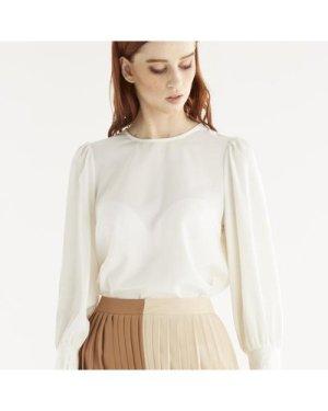 Lola gathered sleeve blouse
