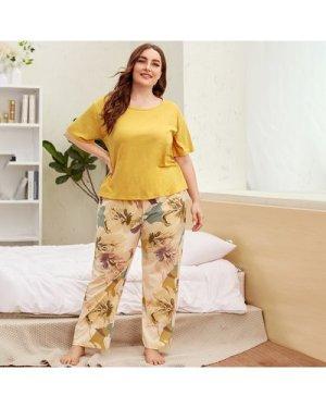 Plus Tee With Floral Print Pants PJ Set