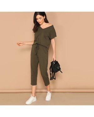 V-neck Solid Tee & Elastic Waist Pants Set