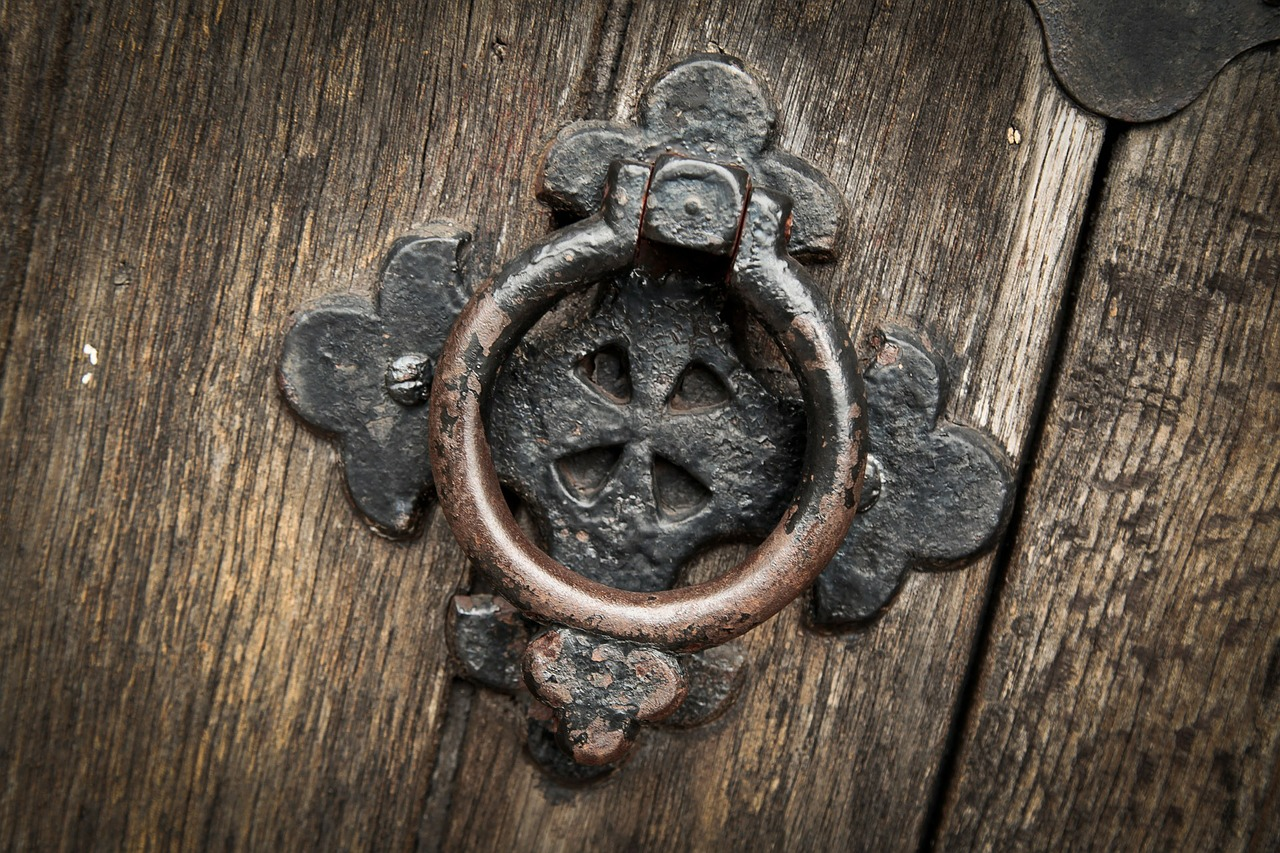 Front Door Spell for Blessings and Wealth