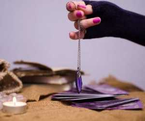 How to Use a Pendulum for Divination