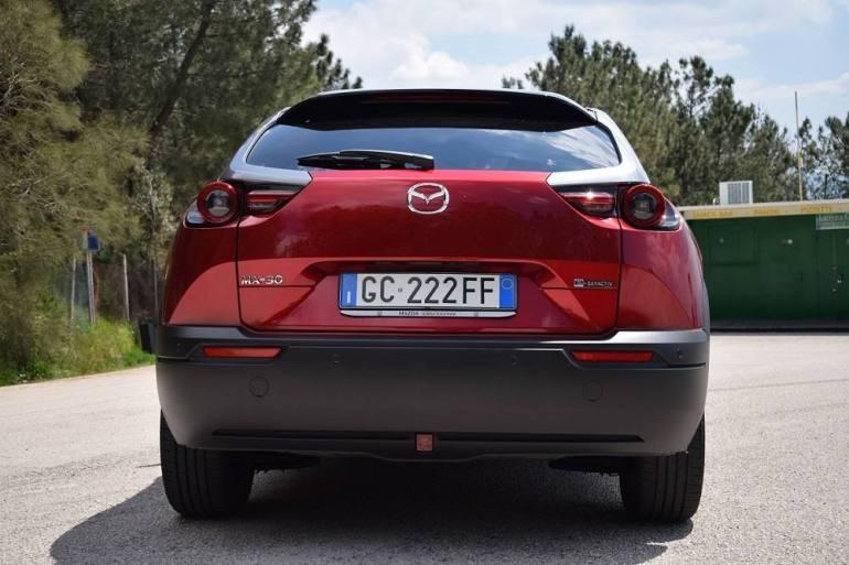 Posteriore auto elettrica Mazda