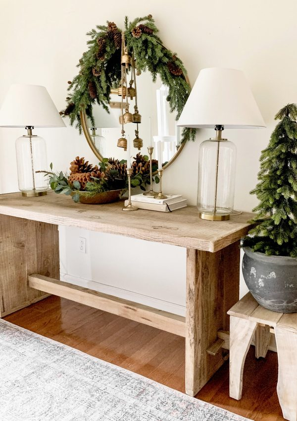 Neutral and Gold Christmas Entryway