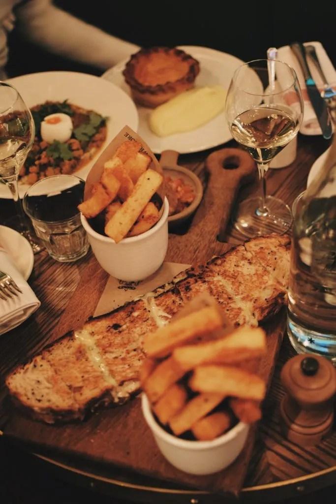Wigmore di Regent Street. Tutto il menù a base di piatti tipici della tradizione inglese