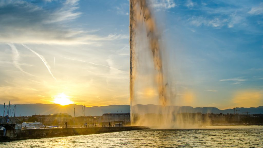 Lake Geneva and the famous Water Jet at dawn