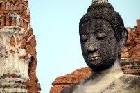 Un Buddha à Wat Chai Watthanaram
