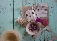 Essais de découpages avec les beaux papier de l'atelier.