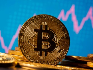 Amid $15K price dump nearly a quarter of unique Bitcoin wallets at a loss