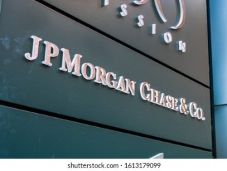 JPMorgan analysts says that Institutional investors dump Bitcoin for gold