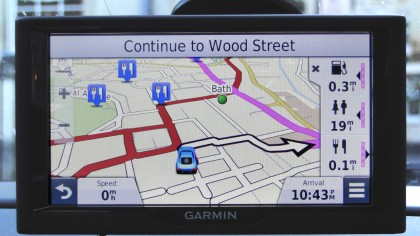 Garmin nuvi 68LM showing directions