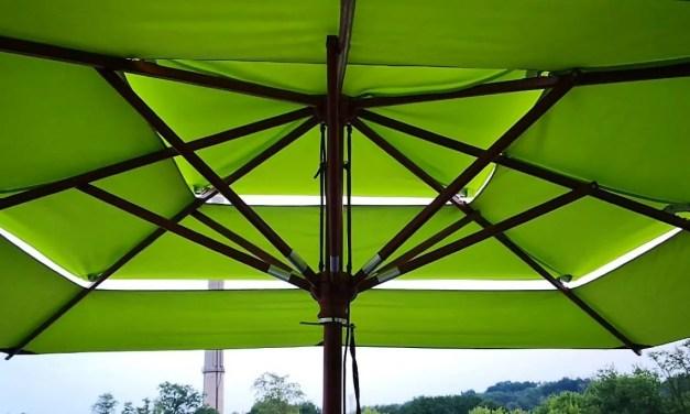 Großer Sonnenschirm für viel Wind