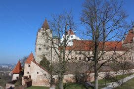 Die Burg Trausnitz thront über der Stadt