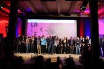 Am Ende der Preisverleihung kamen nochmal alle zusammen - Festivalbetreiber, die Crew, die Gewinner, die Sponsoren und die Juroren