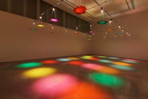 Ayşe Erkmen: Glassworks (2015/2017, Courtesy of the artist and Galerie Barbara Weiss, Berlin, Barbara Gross Galerie, München / Munich, Dirimart, Istanbul)