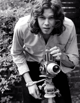 Nick Drake; Quelle: http://flavorwire.com/276645/photos-of-famous-musicians-with-their-cameras/view-all
