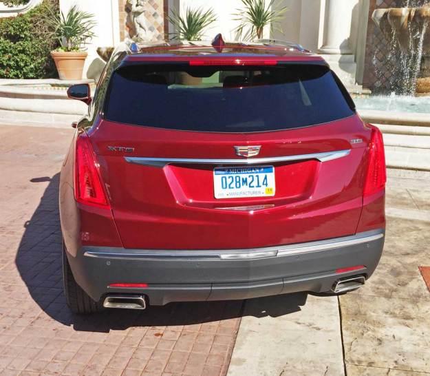 Cadillac-XT5-Tail