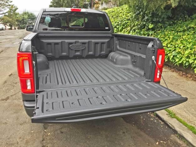 Ford-Ranger-SC-Lariat-Bed