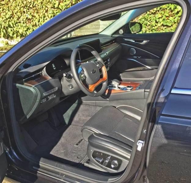 Kia-K900-Luxury-Int