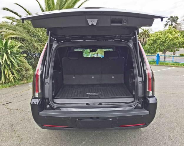 Cadillac-Escalade-ESV-Gte