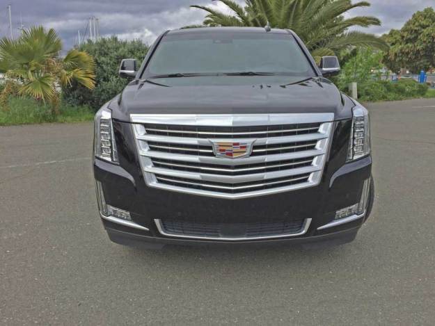 Cadillac-Escalade-ESV-Nose