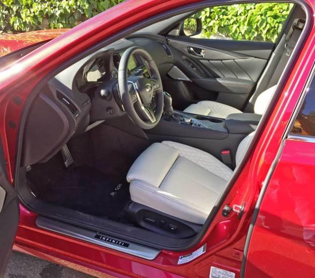 Infiniti-Q50-Red-Sport-400-AWD-Int
