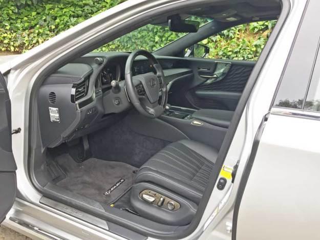 Lexus-LS-500-Int