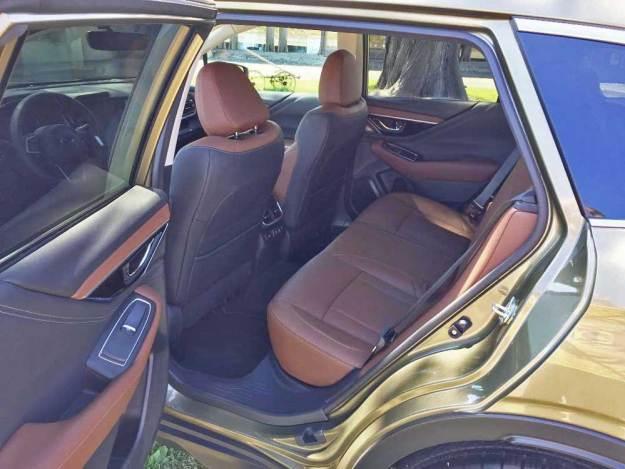 Subaru-Outback-back seat