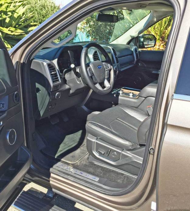 Ford-Expedition-Platinum-Int