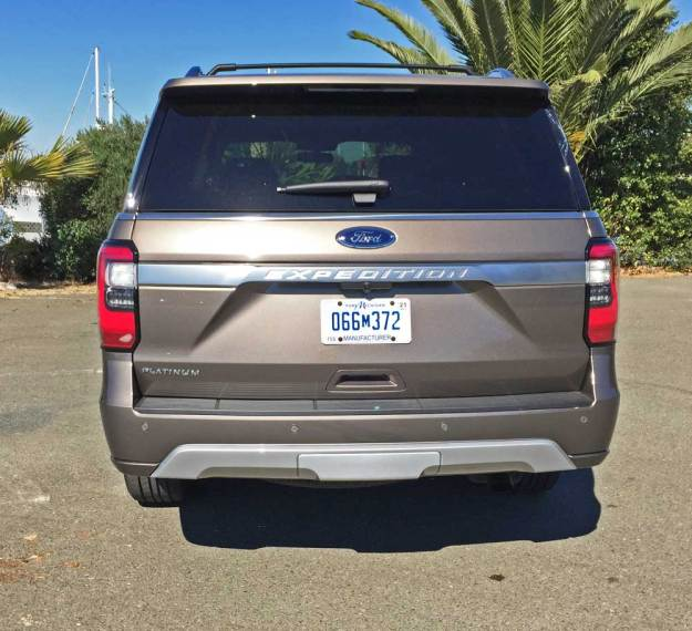 Ford-Expedition-Platinum-Tail