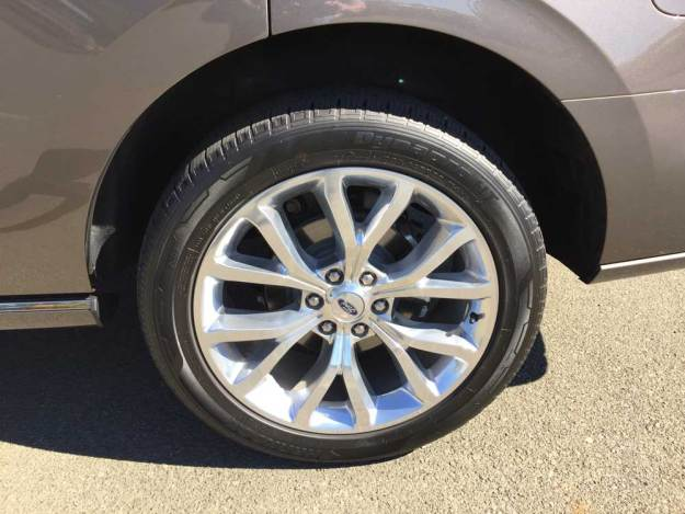 Ford-Expedition-Platinum-Whl