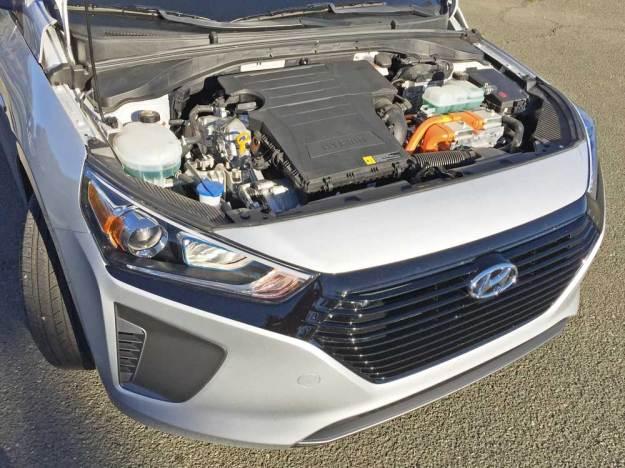 Hyundai-Ioniq-Hybrid-Blue-Eng