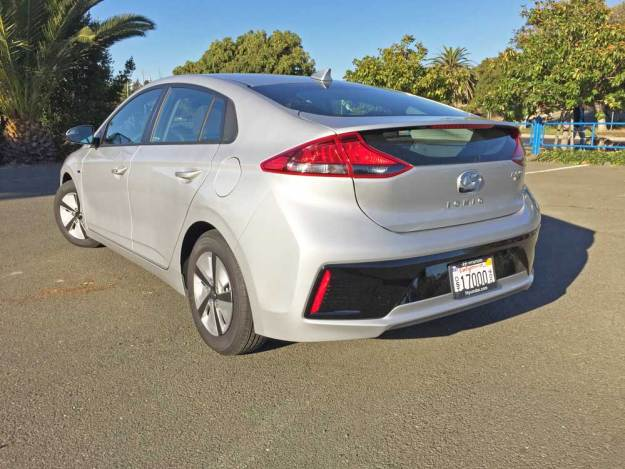 Hyundai-Ioniq-Hybrid-Blue-LSR