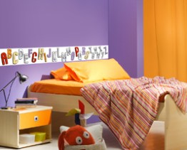 http://www.wallsweethome.fr/fr/stickers-enfant/stickers-ludiques/coloriage-enfant-alphabet-frise-adhesive-a-colorier/