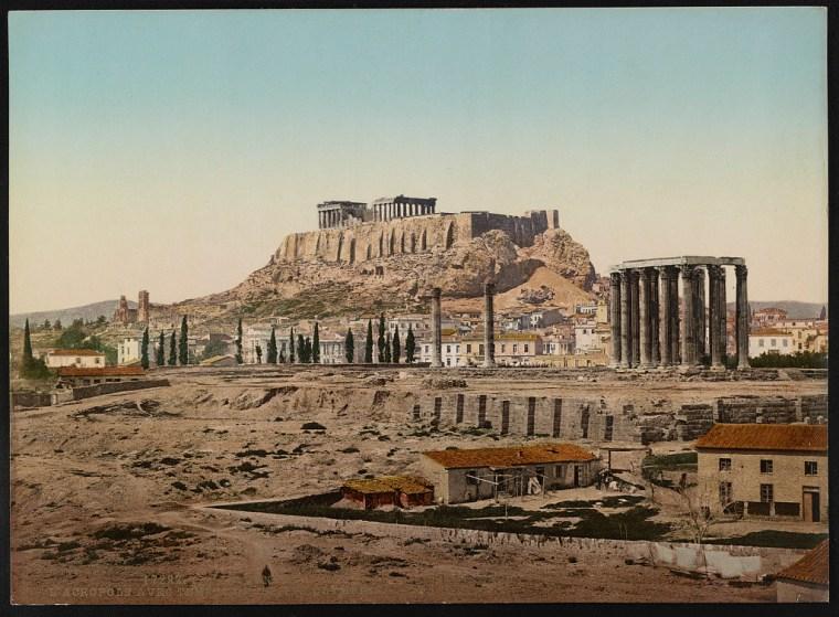 Αθήνα. Η Ακρόπολη μαζί με τον Ναό του Ολυμπίου Διός