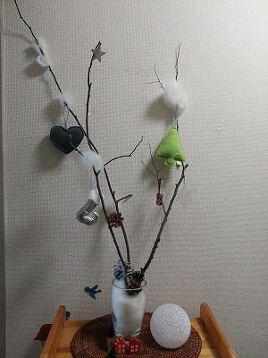 枝ツリー飾り付けは材料費0円♪シンプルが一番
