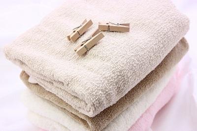 梅雨洗濯物を部屋干で早く乾かすにはどこに干す?扇風機やエアコンの使い方は?