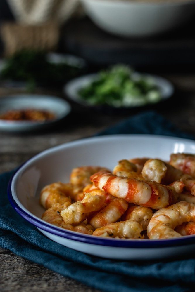 Juicy oven-fried shrimps
