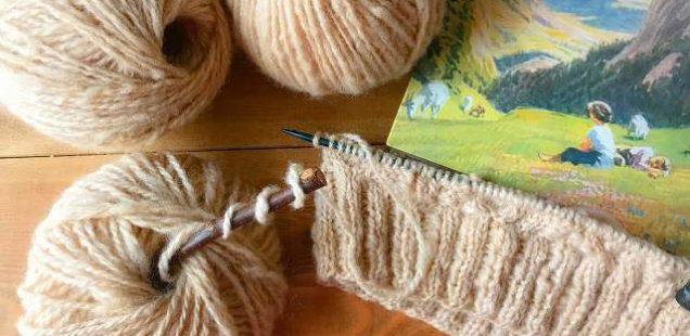 【手紡ぎ毛糸】亜麻色の毛糸