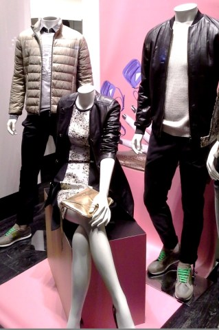 TRUSSARDI PASEO DE GRACIA ESCAPARATE TEVIAC ESCAPARATISMO EN BARCELONA #trussardi #marketingonline #outfit #must (3)