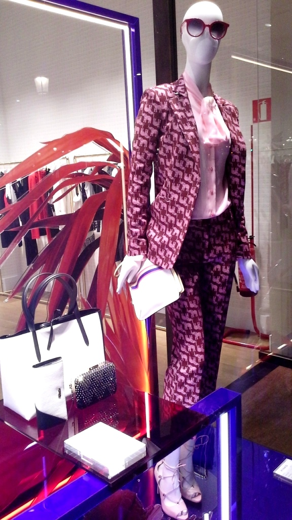 PINKO ESCAPARATE PASEO DE GRACIA #teviac #escaparatelover (6)