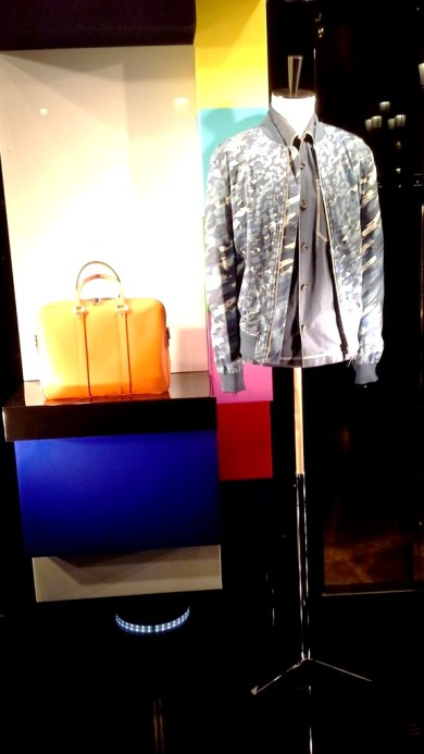 LOUIS VUITTON ESCAPARATE BARCELONA SPRING #louisvuittonescaparate #escaparate #escaparatismo (12)