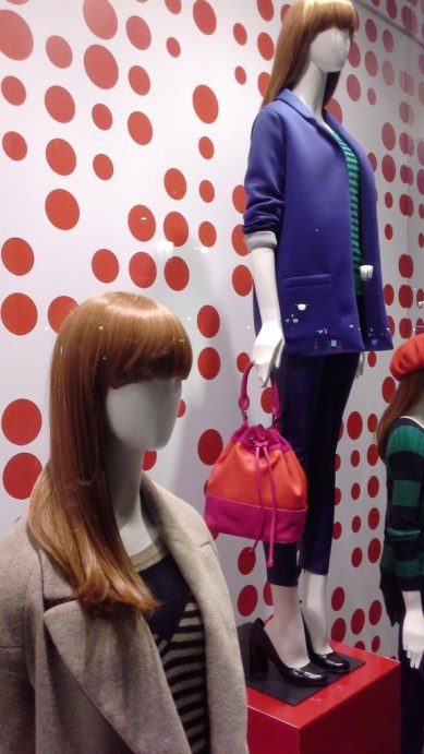 benetton-escaparate-paseo-de-gracia-www-teviacescaparatismo-com-www-benetton-com-escaparatelover-window-vetrina-7