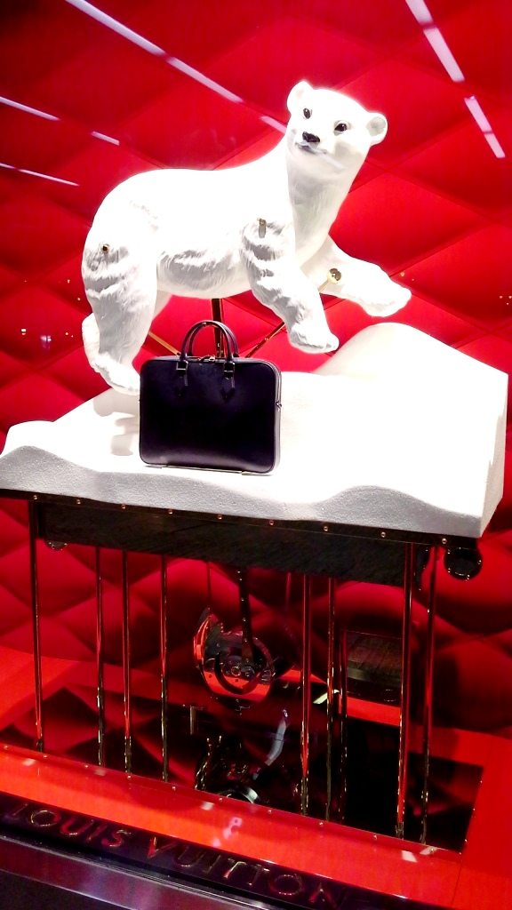 louis-vuitton-escaparate-el-corte-ingles-diagonal-barcelona-shop-luxe-escaparatelover-aparadorlover-windowlover-1