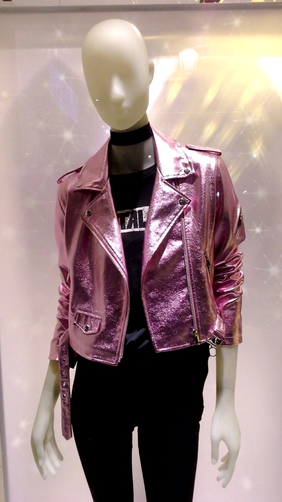 bershka-escaparate-paseo-de-gracia-bershka-escaparatismo-fashionblog-fashionista-shoppingfashion-moda-aparador-2
